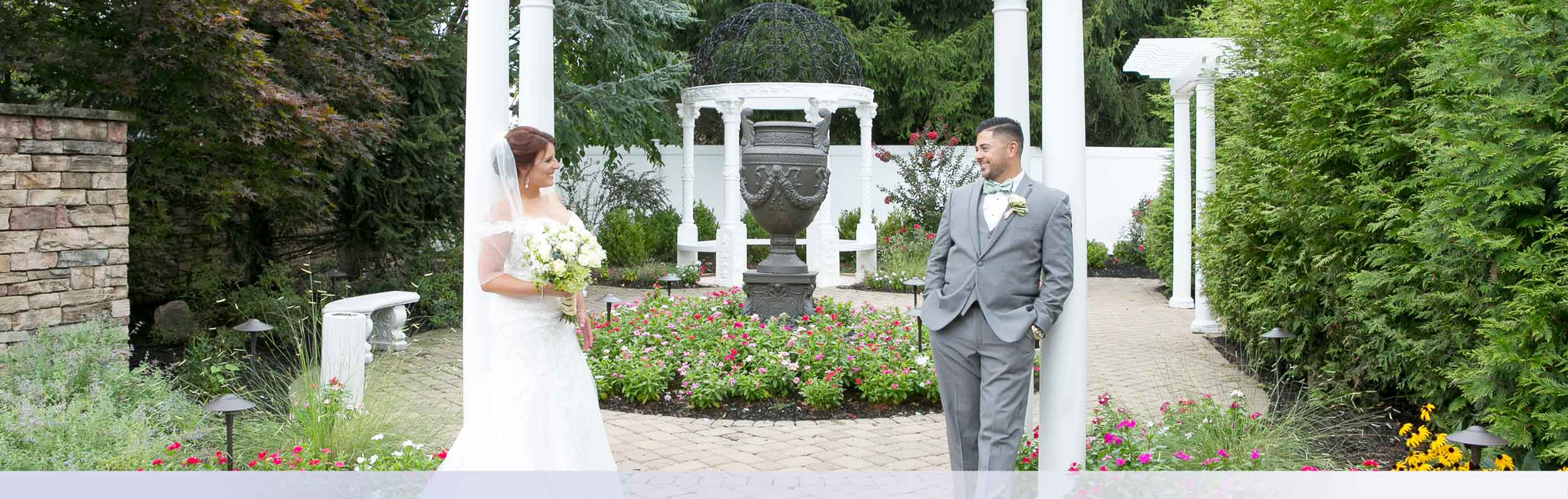 Outdoor Nj Wedding Venue Ceremony Garden