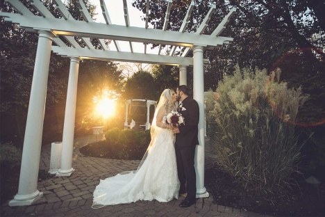 Amazing Outdoor Wedding Ceremony Venue Bride Groom Kissing At Sunset