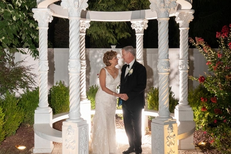 Mature Vow Renewal Outoor Wedding Venue
